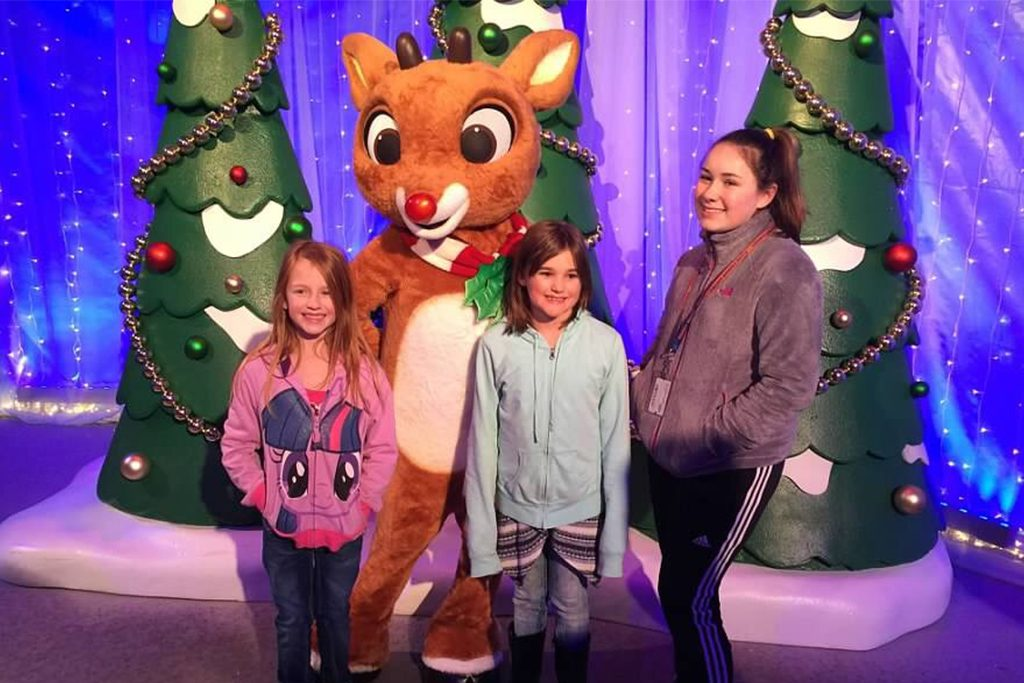 Busch Gardens Christmas Town Insulated Mugs 2021 Experience Holiday Cheer At Busch Gardens Christmas Town Gowilliamsburg Com