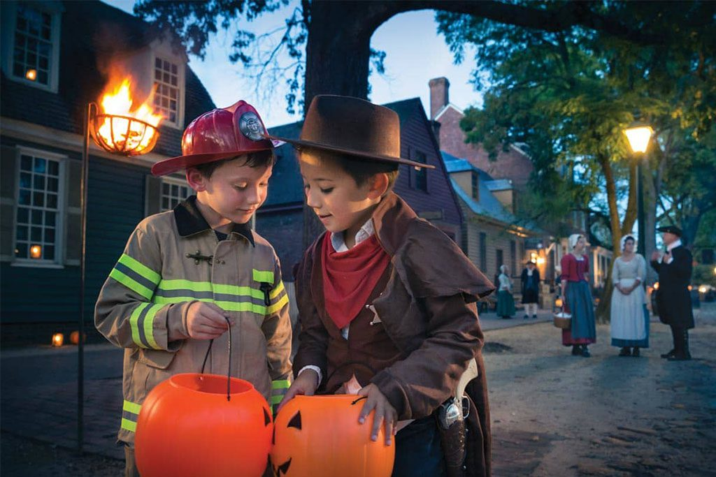Haunting on DoG Street at Colonial Williamsburg