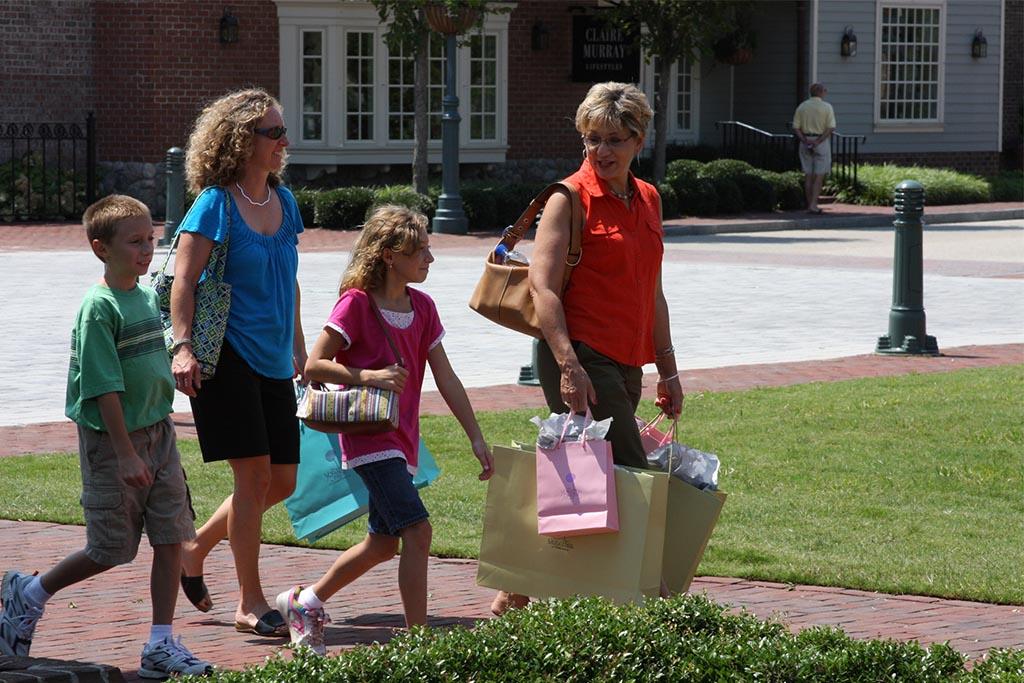 Riverwalk-Landing-shopping